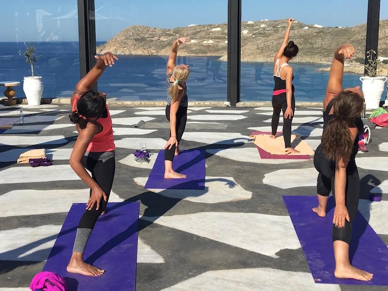 active vinyasa flow yoga escapes