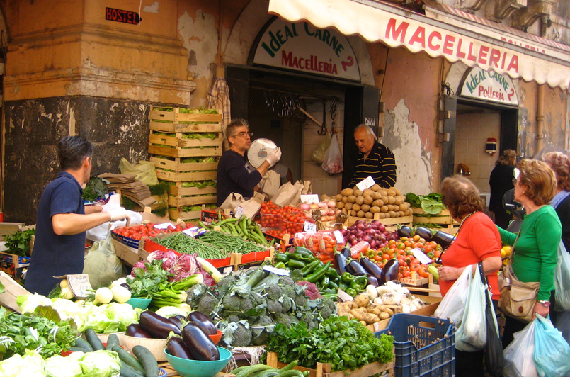 street market in sicily on a yoga retreat