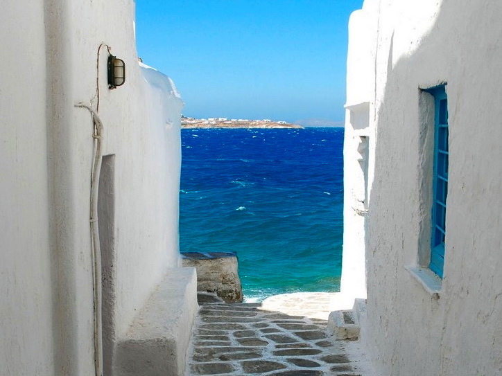 mykonos-greece-5-star-yoga-retreat-with-yoga-escapes