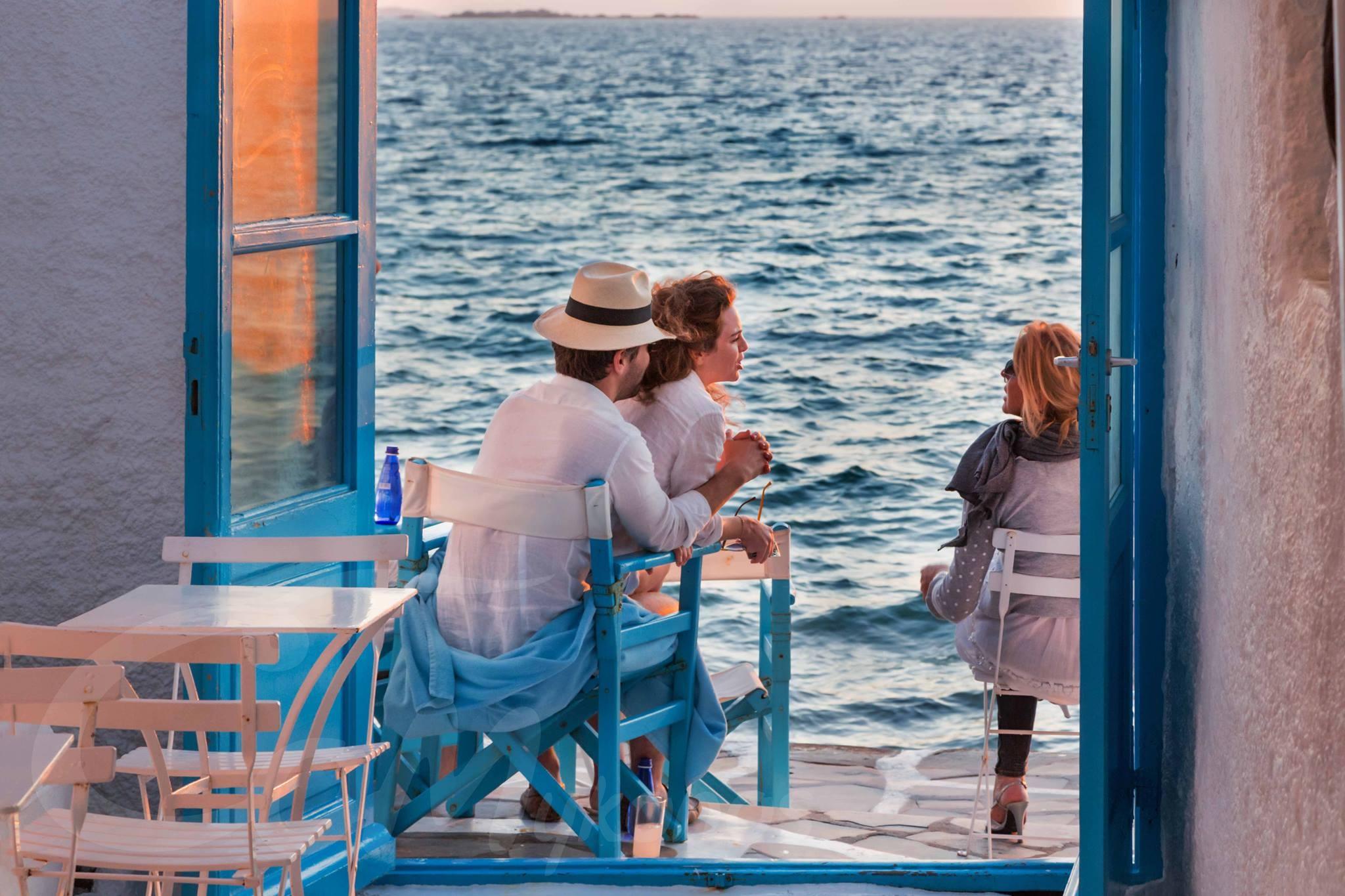 sunset-drinks-mykonos-little-venice