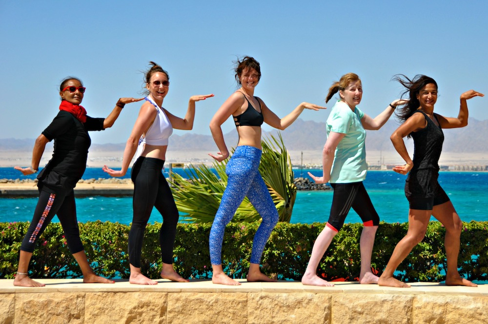Yoga group in Egypt on a luxury yoga retreat with Yoga Escapes.