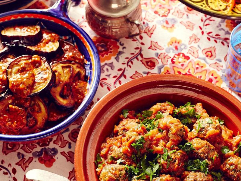delicious moroccan tagines and slow cooked dishes on a luxury yoga retreat in Marrakesh
